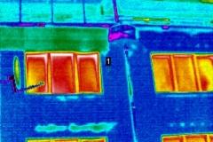 Durchfeuchtung Wohnungen und Staffelumgang durch defekte Attikaabdeckung