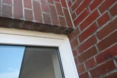 Durchfeuchtung Wohnungen durch falschen Einbau der Fenster in Verblendfassade